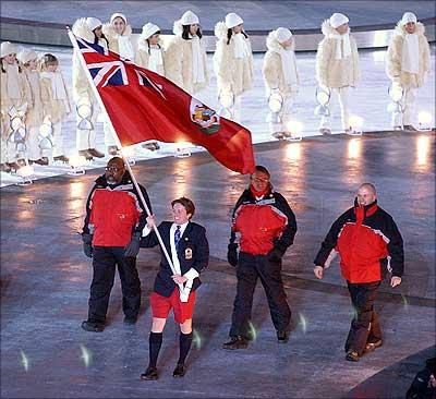 PATRICK SINGLETON olympics bermuda shorts