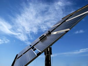 990289_solar_panel_in_the_field_5