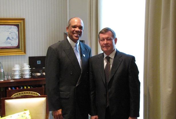 Premier Brown and S7 Airlines General Director Vladamir Obyedkov