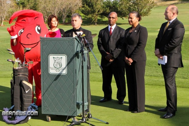 Blood Donation Golf Program Bermuda Jan 24th 2011-1_wm
