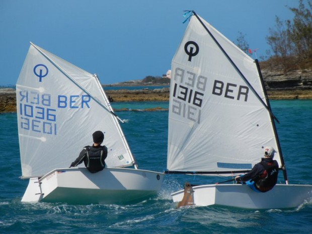 Photo of Silver Fleet contender Peter Dill (1316) being challenged by eventual series champion James Amaral (1036)