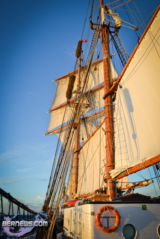 photos two tall ships in st george 39 s bernews. Black Bedroom Furniture Sets. Home Design Ideas