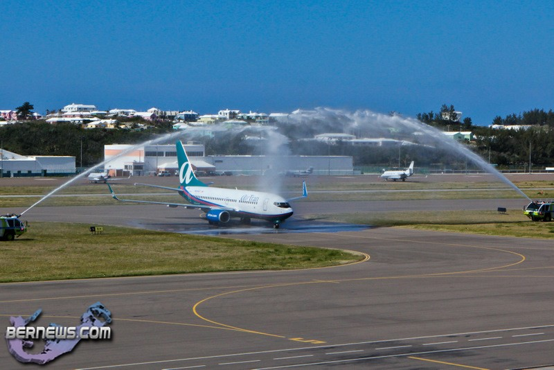 Photos Inaugural Baltimore Bermuda Flight Lands Bernews