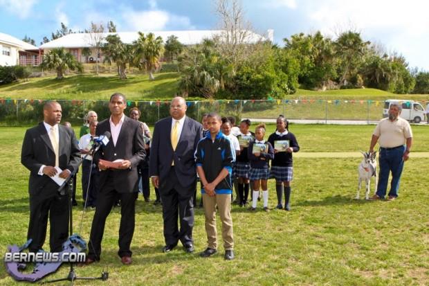 Daddy & I Explore The Farm Book Launch David Chapman Bermuda April 11 2011 (1 of 1)