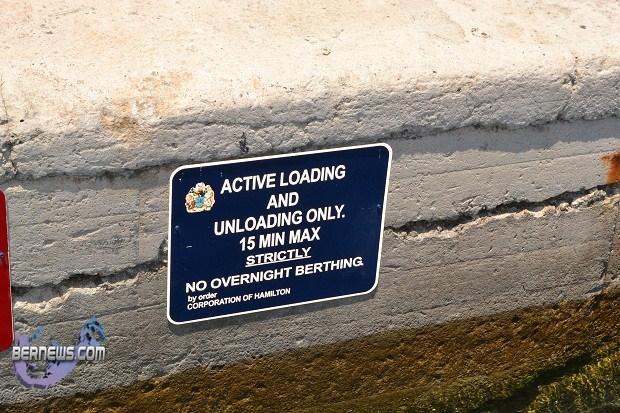 tour boat sign bermuda
