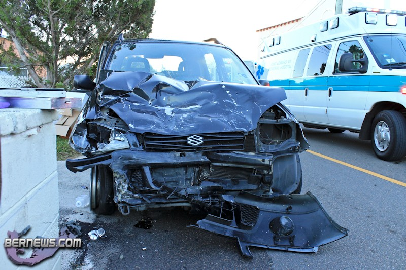Car-Van-Accident-Pembroke-Bermuda-October-17-2011-1-7