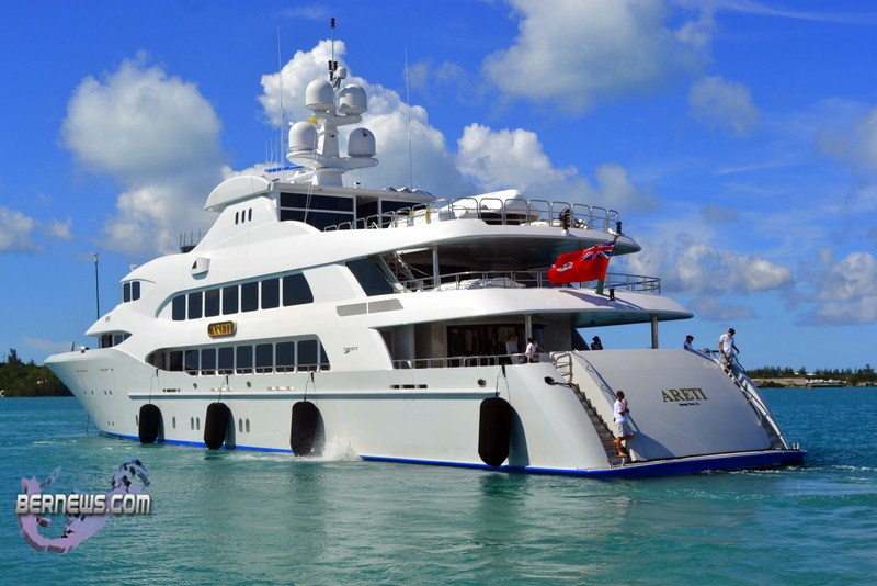 Video: 198ft Motor Yacht Docks In St George's - Bernews