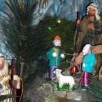 Almeida Family Portuguese Presepio Nativity Scene Christmas Bermuda, December 23 2012 (14)