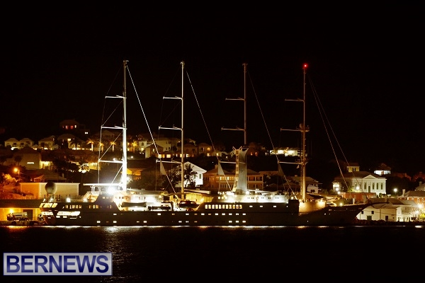 windstar-cruise-at-night