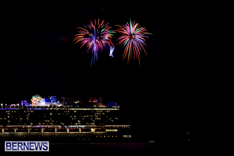 Norwegian-Breakaway-Fireworks-In-Dockyard-Bermuda-July-4-2013-1