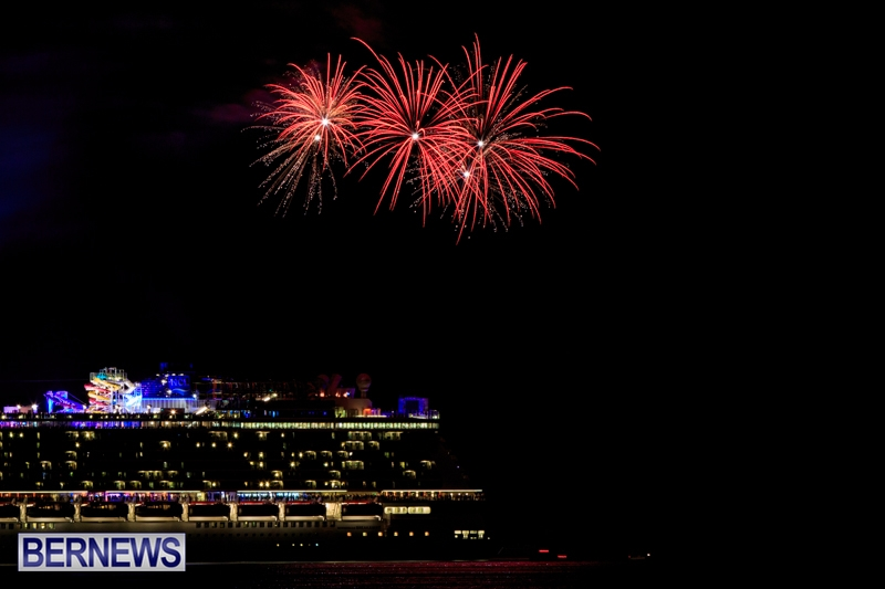Norwegian-Breakaway-Fireworks-In-Dockyard-Bermuda-July-4-2013-10