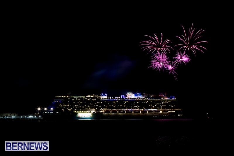 Norwegian-Breakaway-Fireworks-In-Dockyard-Bermuda-July-4-2013-3