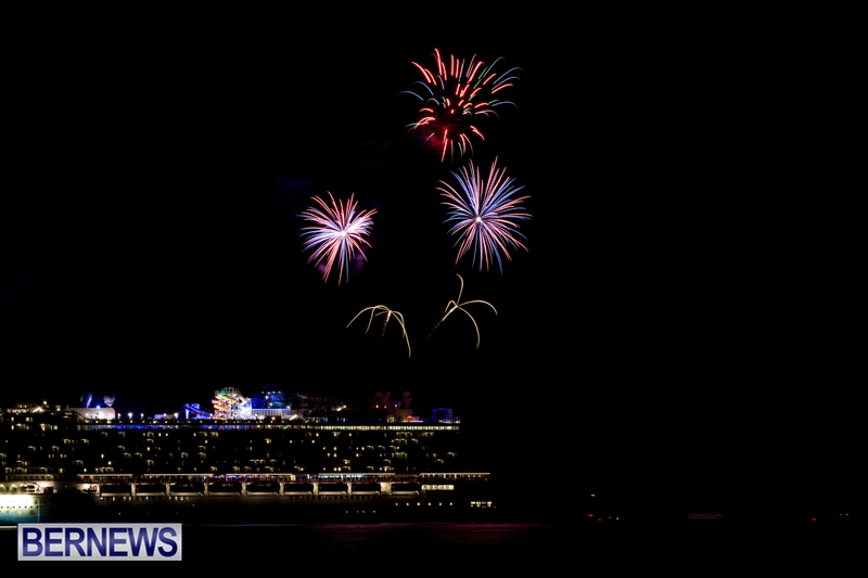 Norwegian-Breakaway-Fireworks-In-Dockyard-Bermuda-July-4-2013-4