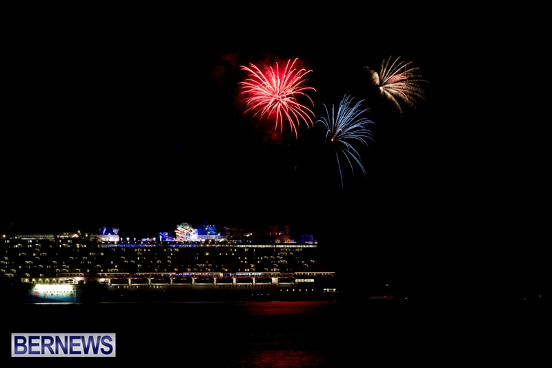 Norwegian-Breakaway-Fireworks-In-Dockyard-Bermuda-July-4-2013-5