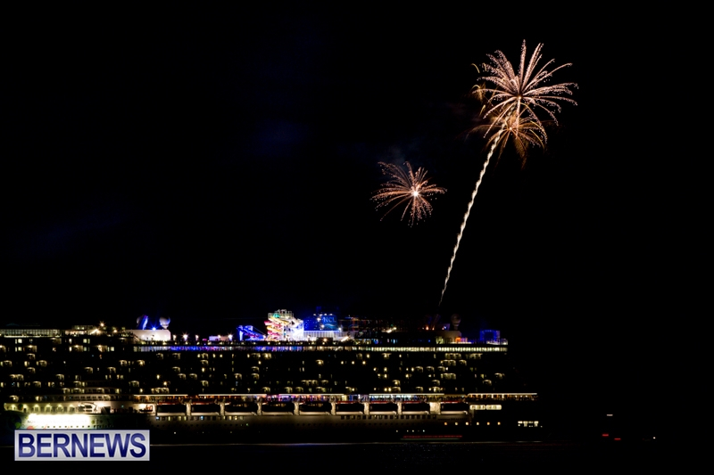 Norwegian-Breakaway-Fireworks-In-Dockyard-Bermuda-July-4-2013-7