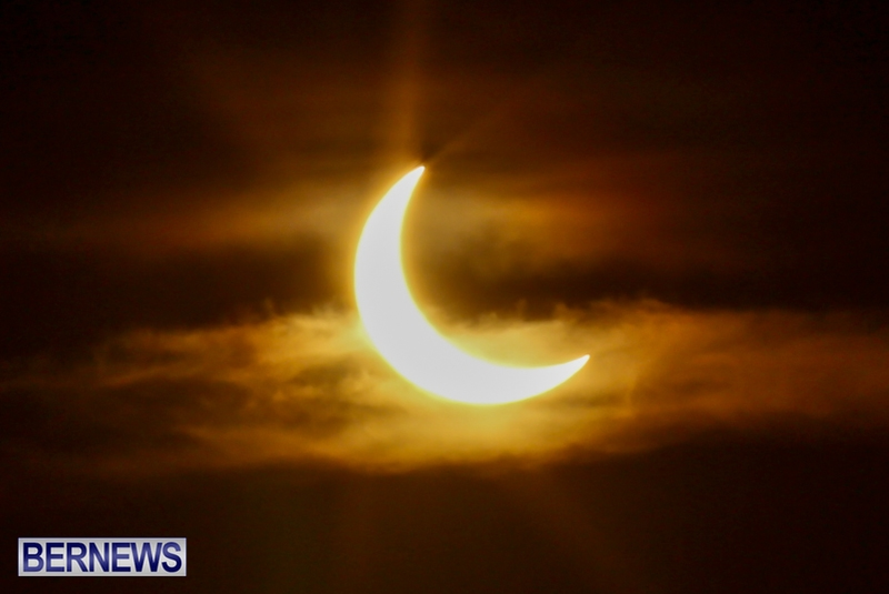 Bermuda-Solar-Eclipse-November-3-2013-1