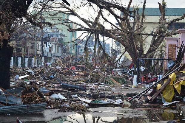 Tacloban_Typhoon_Haiyan_2013-11-14