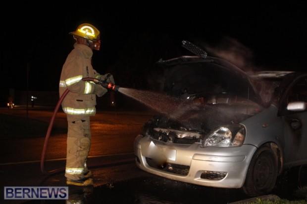 2014 NYE car fire bermuda (1)