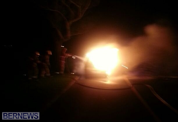 2014 NYE car fire bermuda (3)