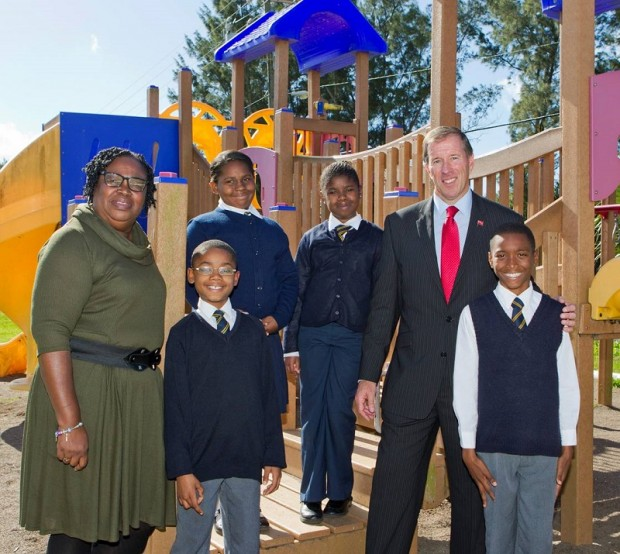 Minister Dunkley at Victor Scott Jan 2014 (1)