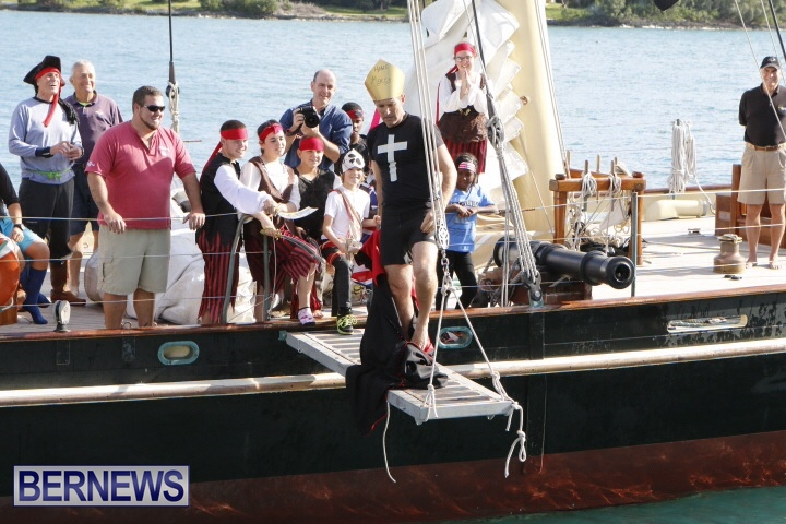 Pirates of Bermuda hostage 2014 (2)