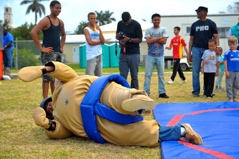 Bermuda sumo wrestling 2014 (5)