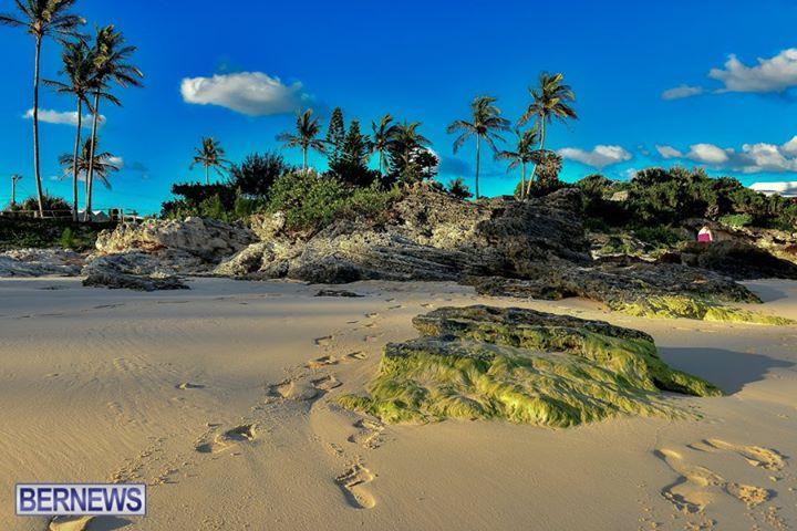 John-Smiths-Bay-Beach-Bermuda-generic