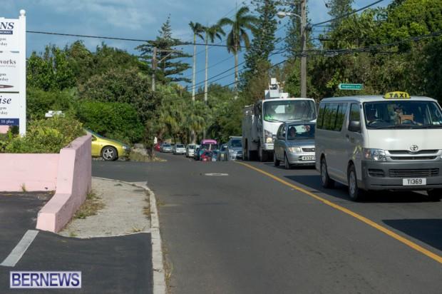 Traffic backed up Bermuda Oct 13 (3)