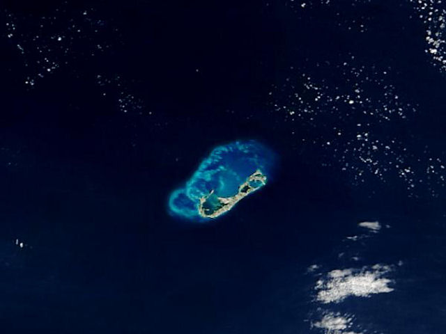nasa-photo-bermuda-island-from-space-3