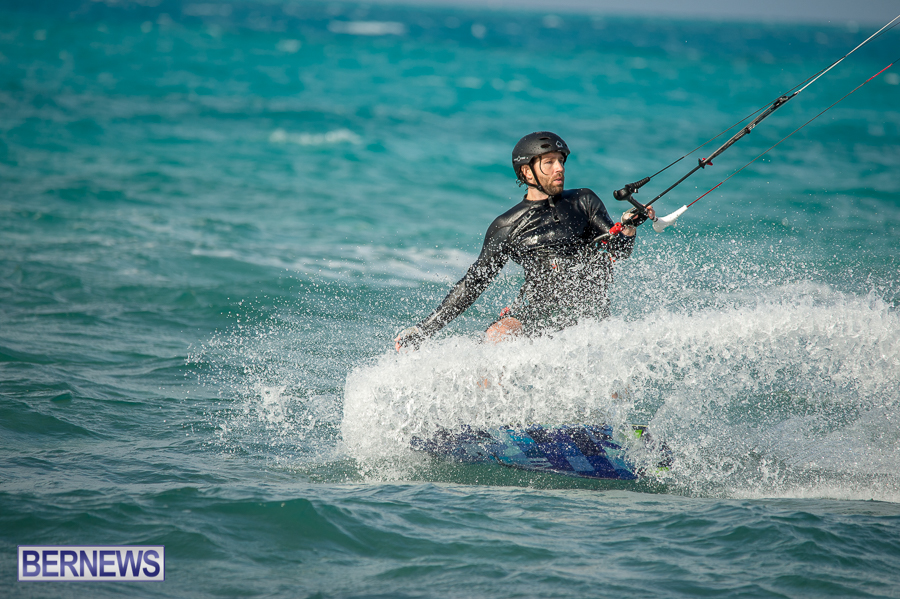 Bermuda-Kite-Surfers-2014-Dec-21