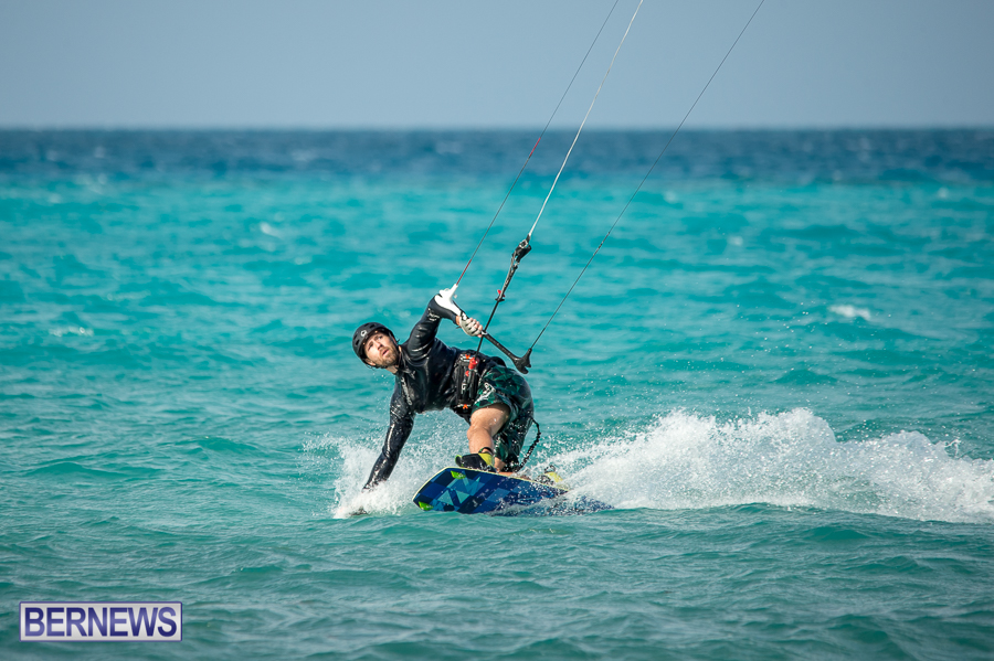Bermuda-Kite-Surfers-2014-Dec-27