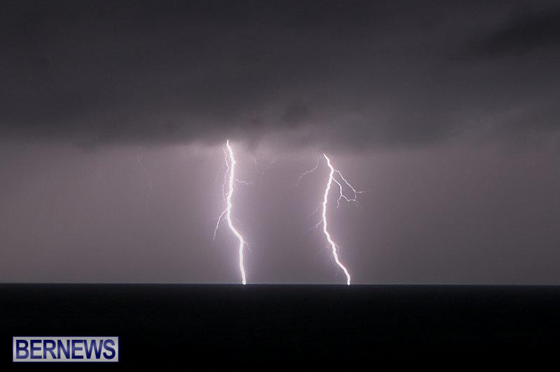 Bermuda-Lightning-January-26-2015-3