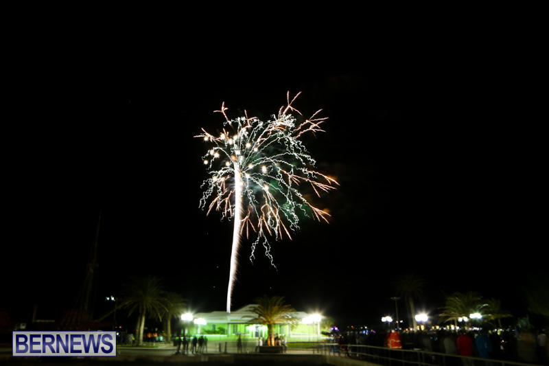 New-Years-Eve-Fireworks-Bermuda-December-31-2014-11