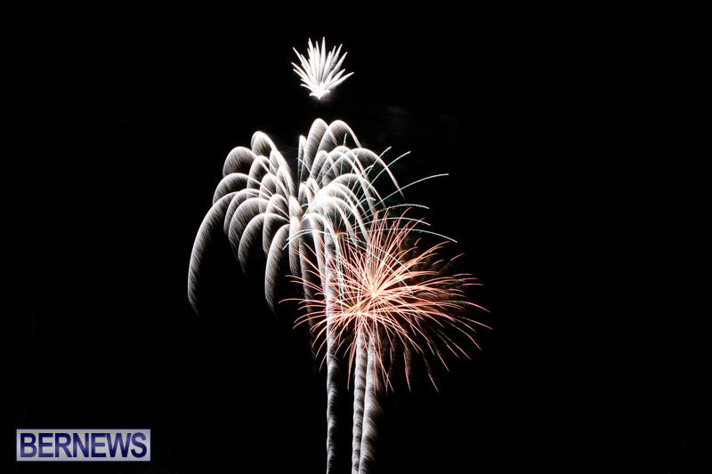 New-Years-Eve-Fireworks-Bermuda-December-31-2014-15