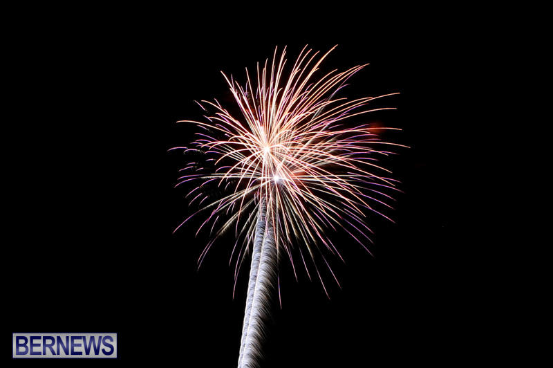 New-Years-Eve-Fireworks-Bermuda-December-31-2014-23