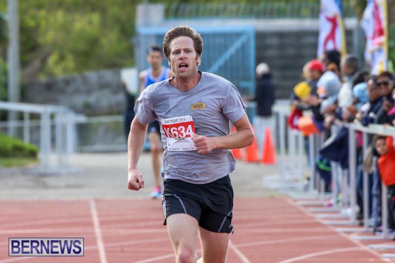 Race-Weekend-10K-Finish-Line-Bermuda-January-17-2015-13