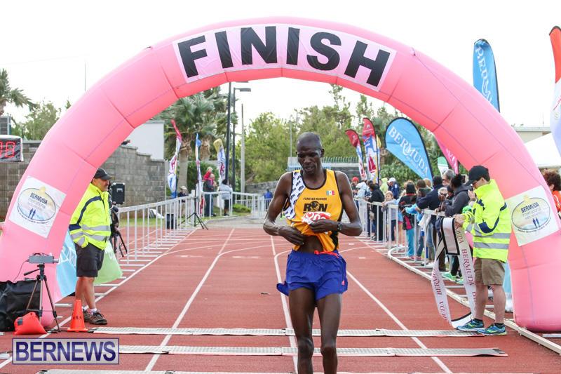 Race-Weekend-10K-Finish-Line-Bermuda-January-17-2015-2