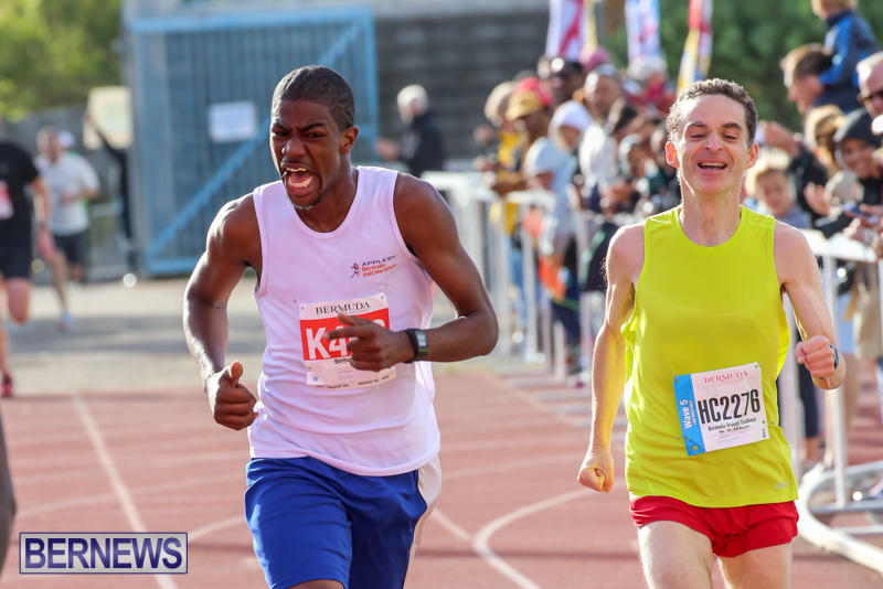 Race-Weekend-10K-Finish-Line-Bermuda-January-17-2015-25
