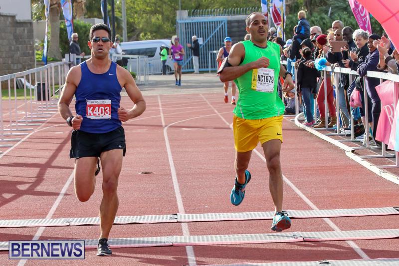 Race-Weekend-10K-Finish-Line-Bermuda-January-17-2015-38