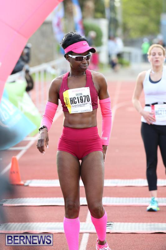 Race-Weekend-10K-Finish-Line-Bermuda-January-17-2015-49