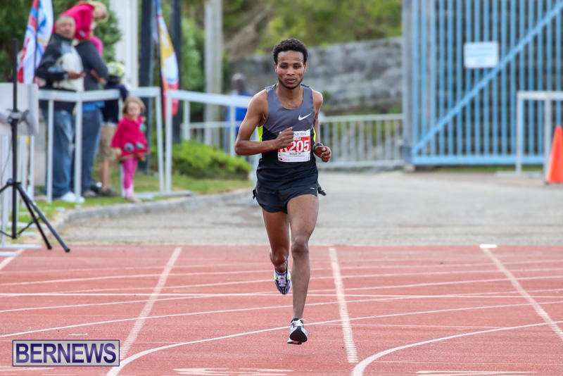 Race-Weekend-10K-Finish-Line-Bermuda-January-17-2015-5