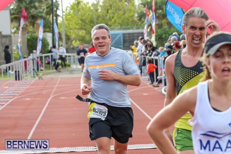 Race-Weekend-10K-Finish-Line-Bermuda-January-17-2015-84
