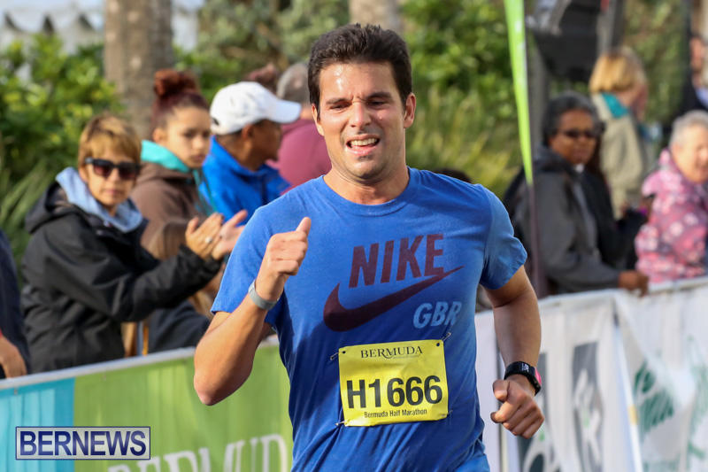 Race-Weekend-Marathon-Finish-Line-Bermuda-January-18-2015-39