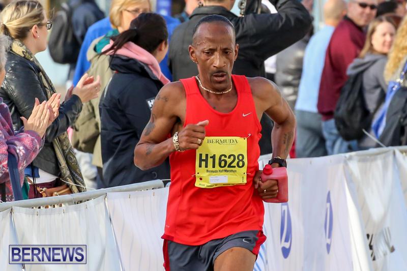 Race-Weekend-Marathon-Finish-Line-Bermuda-January-18-2015-43