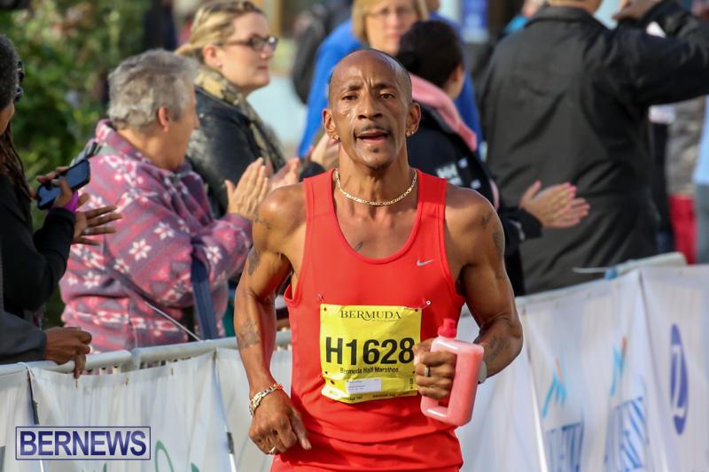 Race-Weekend-Marathon-Finish-Line-Bermuda-January-18-2015-44