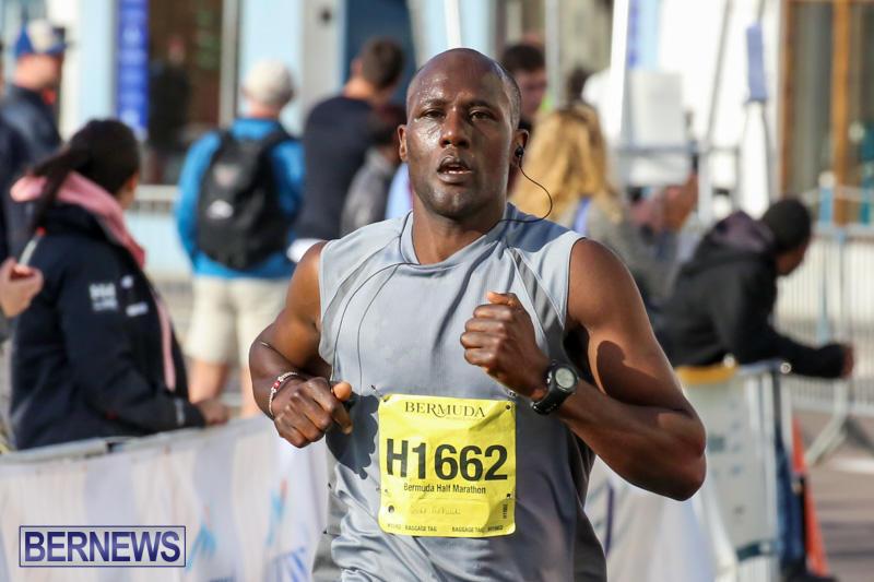 Race-Weekend-Marathon-Finish-Line-Bermuda-January-18-2015-75
