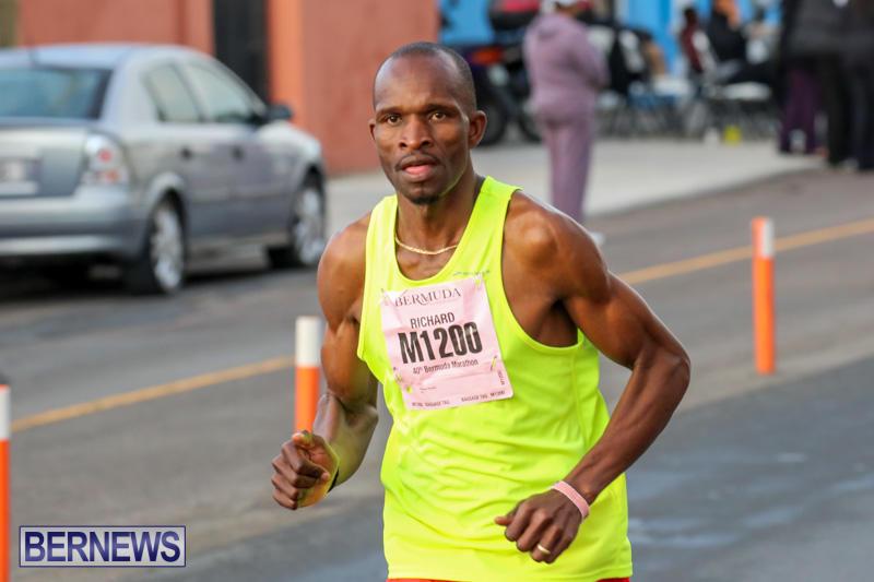 Race-Weekend-Marathon-Start-Bermuda-January-18-2015-10