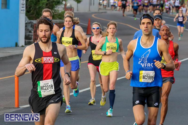 Race-Weekend-Marathon-Start-Bermuda-January-18-2015-14