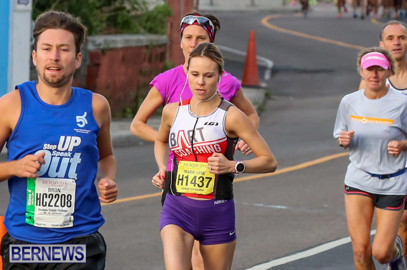 Race-Weekend-Marathon-Start-Bermuda-January-18-2015-44