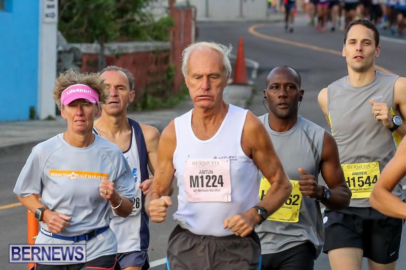 Race-Weekend-Marathon-Start-Bermuda-January-18-2015-47
